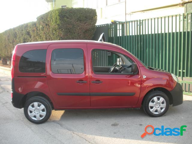 RENAULT Kangoo diesel in vendita a Barletta (Barletta-Andria-Trani) 3