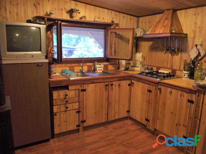 Roulotte stanziale con casetta in legno 4