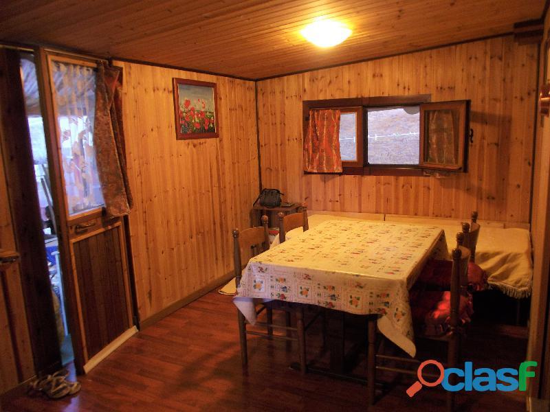 Roulotte stanziale con casetta in legno 5