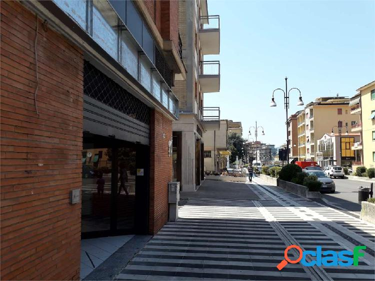 Abigest-Locale Commerciale Via Aldo Moro L.749 0