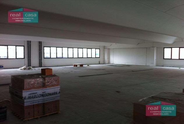 AY279 - Vendita / Affitto immobili commerciali a Modena 0
