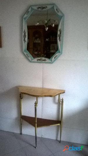 Mobiletto antico con specchio per ingresso