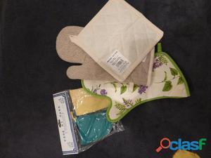 Vendo presine e guanti da forno nuovi