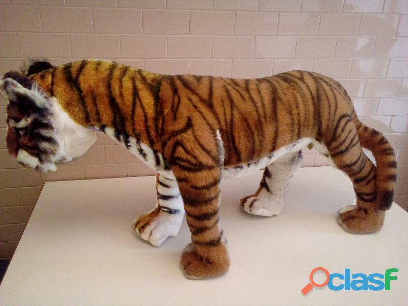 Tigre gigante in peluche
