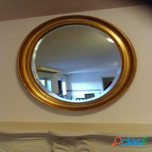 Specchio ovale elegante