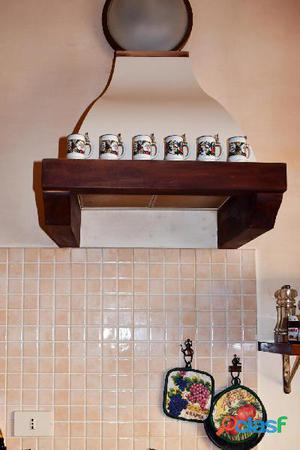Cucina legno medio scuro