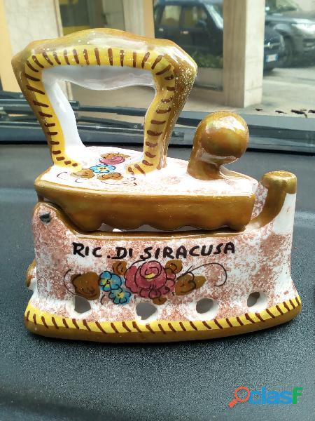 Ferro da stiro in ceramica antico anni 70