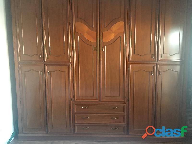 Armadio completamente in legno
