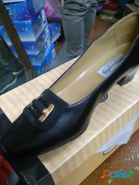 stock scarpe donna uomo bambino
