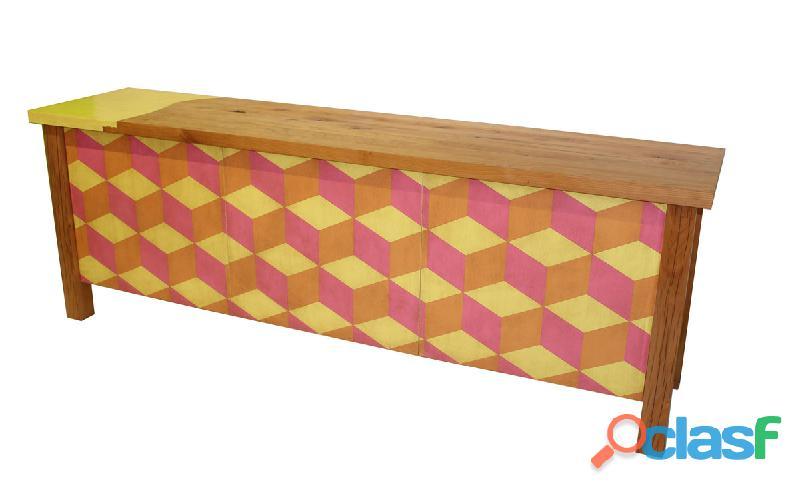 Credenza in legno massello decorata a mano
