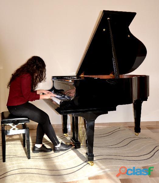 Insegnante di pianoforte   lezioni private di pianoforte
