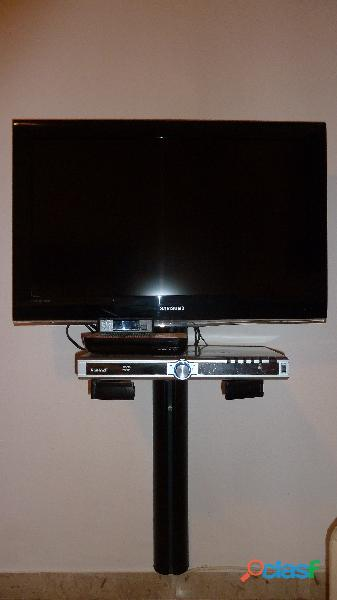 "TELEVISORE SAMSUNG 32"" HD USATO POCHISSIMO + supporto + decoder."