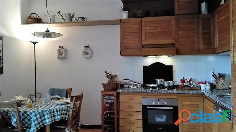 Cucina componibile in legno massello. ottime condizioni