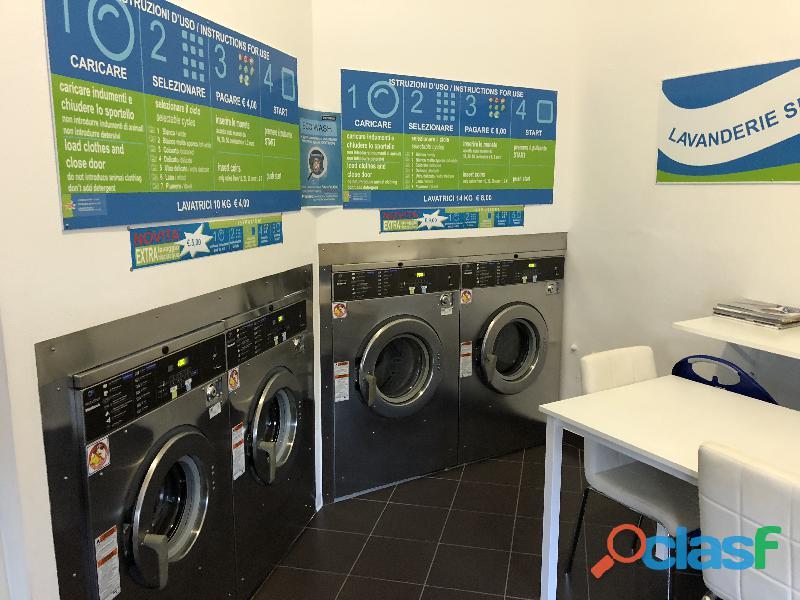 Vendesi lavanderia self service
