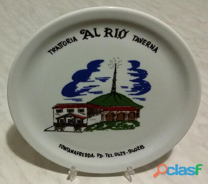Piatto in porcellana Maxima: Trattoria Al Rio Taverna   Fontanafredda   PD nuovo