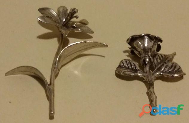 Due fiori stilizzati in argento 925 finemente lavorati anni '70 perfetti