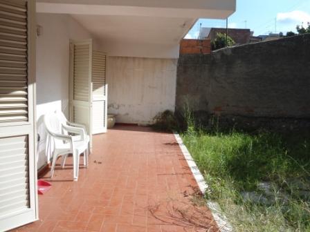 Appartamento con giardino di proprietà in vendita a