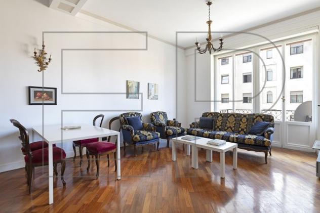 Appartamento di 130 m² con 3 locali in affitto a milano