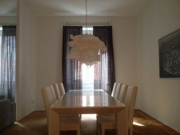 Appartamento di 140 m² con 4 locali e box auto in affitto a