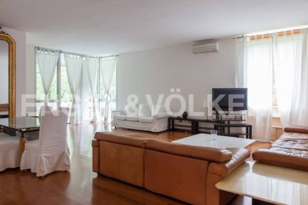 Appartamento di 220 m² con più di 5 locali e box auto in