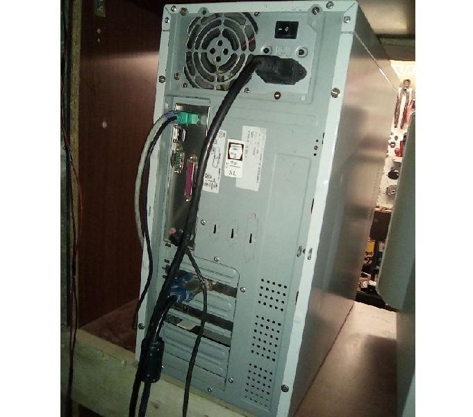 Computer fisso pc pentium 4 iv windows xp ram masterizzatore