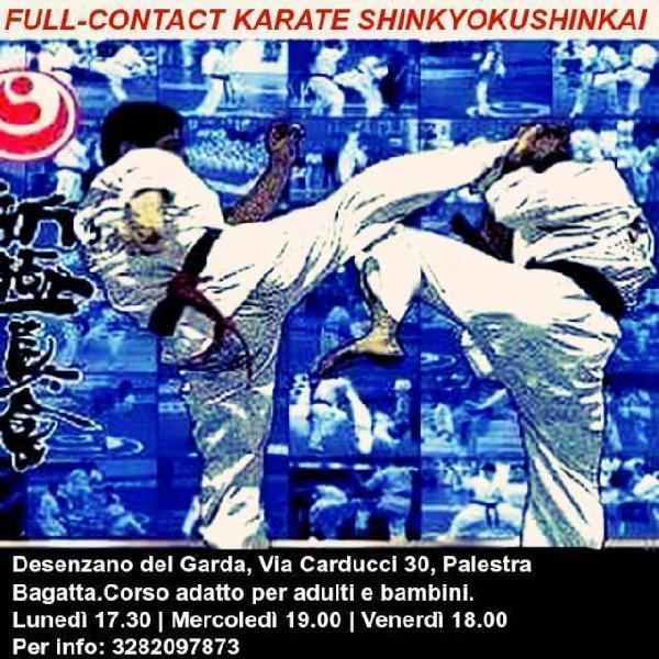 Istruttore di karate full contact e personal trainer