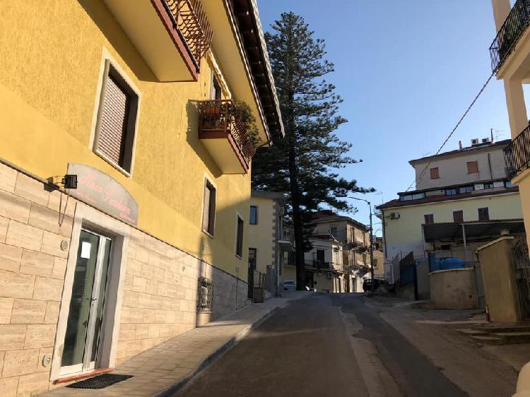 Locale commerciale centro