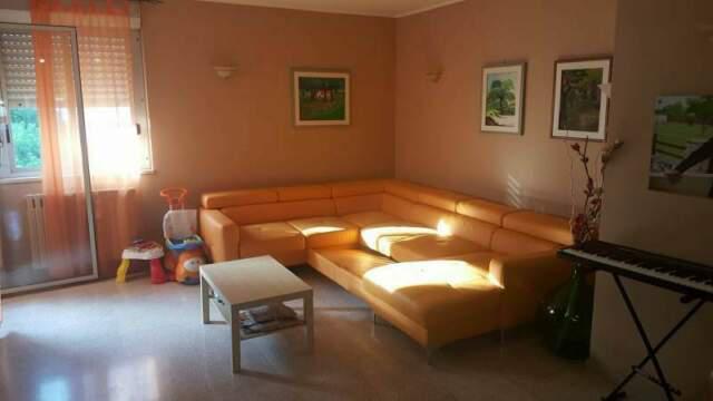Luminoso residenziale 4 vani, doppi servizi, posto auto e