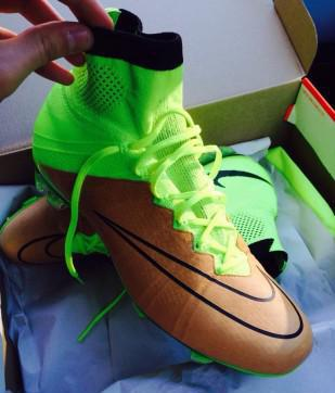 Mercurial superfly con tomaia in pelle