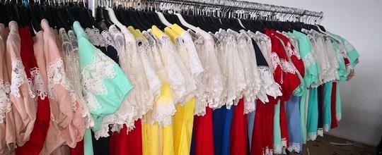 Stock abbigliamento donna estivo 1.70 euroo padova