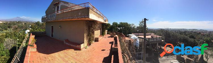 Villa con vista mare ed etna