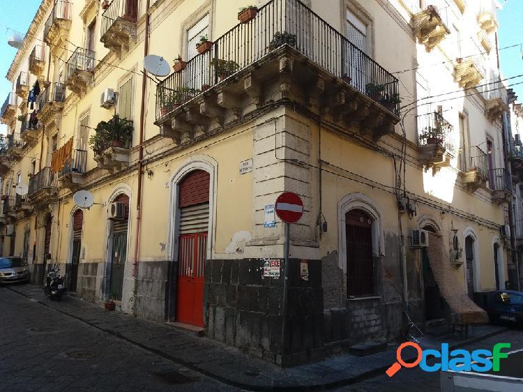 Catania pressi garibaldi e castello ursino 3 vani
