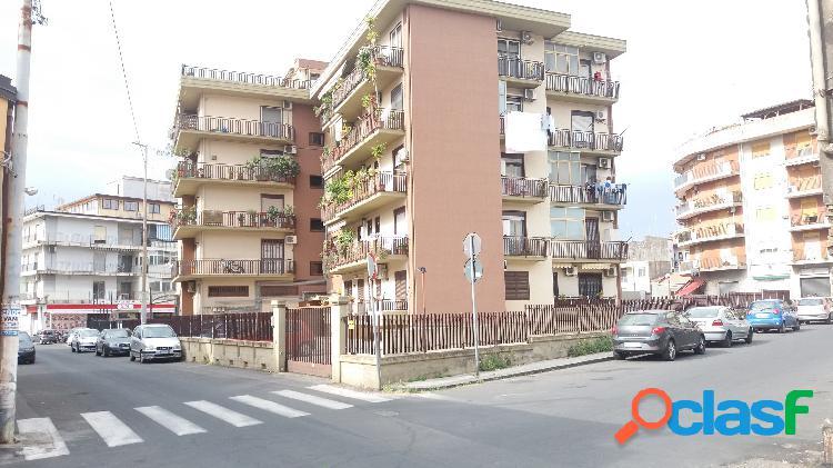 Catania zona rapisardi ampio deposito 535mq