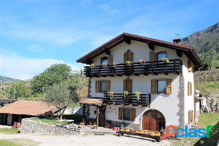 Ala attico / mansarda 7 locali 430.000 eur t731