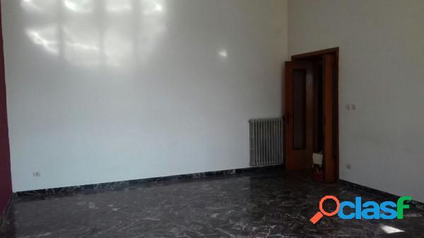 Salerno appartamento 5 locali 138.000 eur t502