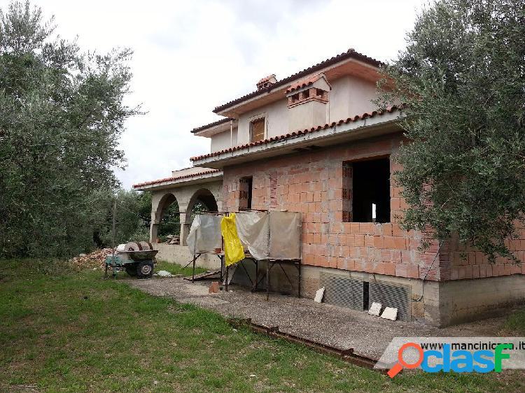 Fara in sabina - villa 10 locali € 230.000 t502