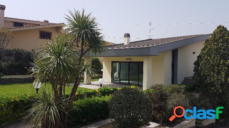 Guidonia montecelio - appartamento 7 locali € 640.000