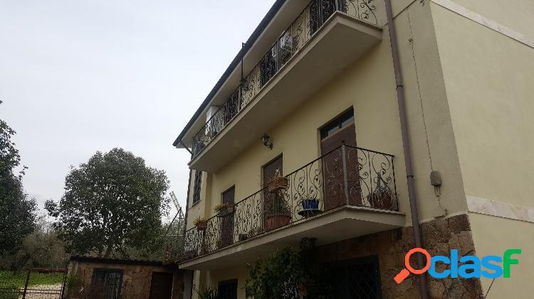 Sant'angelo romano - appartamento 5 locali € 89.000