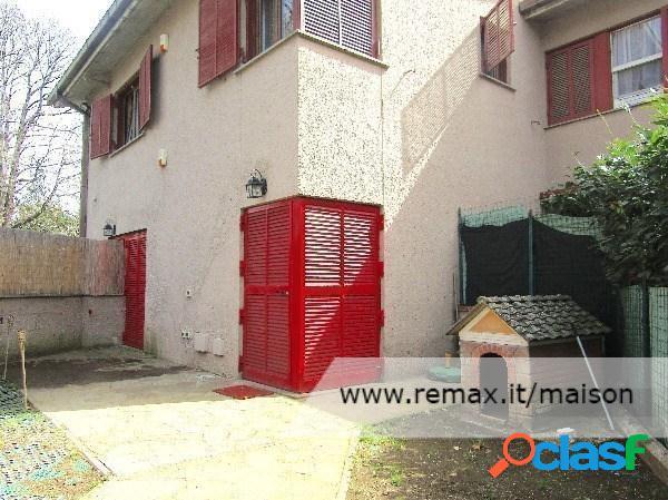 Monte porzio catone - appartamento 4 locali € 600 a404