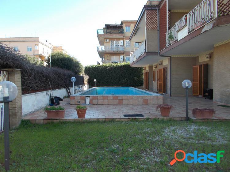 Zona centro - 3 locali con piscina € 225.000 t204
