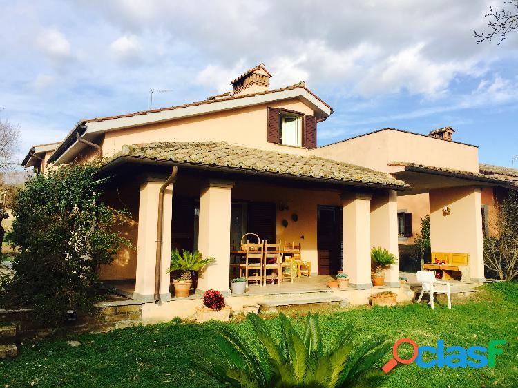 Trevignano romano - villa 6 locali € 345.000 t602