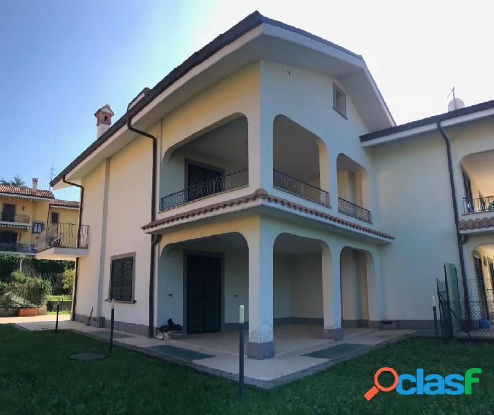 Squarciarelli - villa 6 locali € 550.000 t613