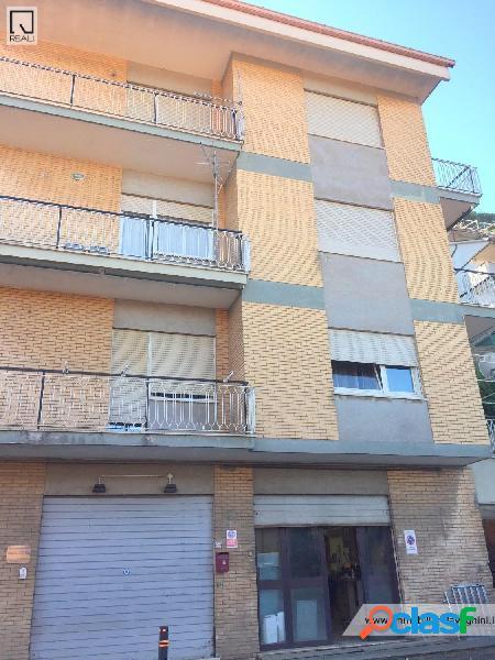 Rocca di papa - negozio 2 locali € 39.000 nt203