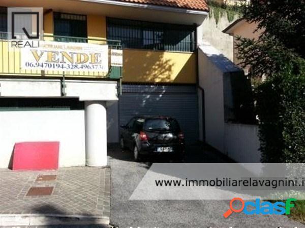 Centro - magazzino 6 locali € 150.000 mt601