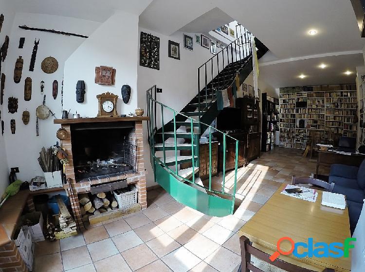 Centro storico - attico 6 locali € 269.000 t603