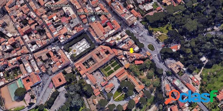 Centro storico - attico 5 locali € 330.000 t504
