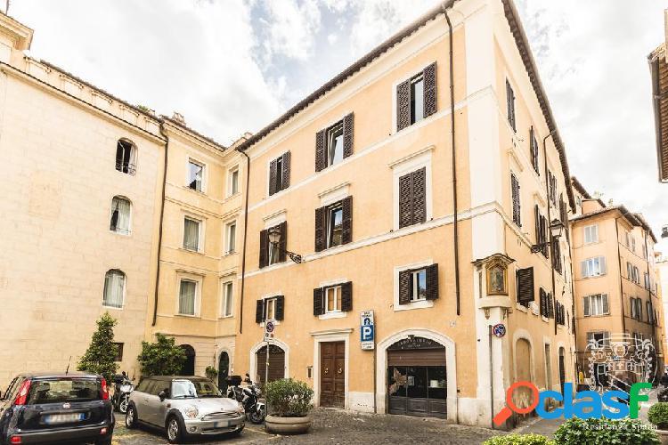 Centro storico - attività 9 locali € 420.000 at902