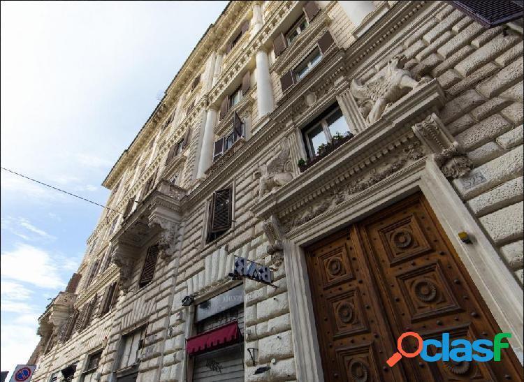 Centro storico - appartamento 8 locali € 1.850.000