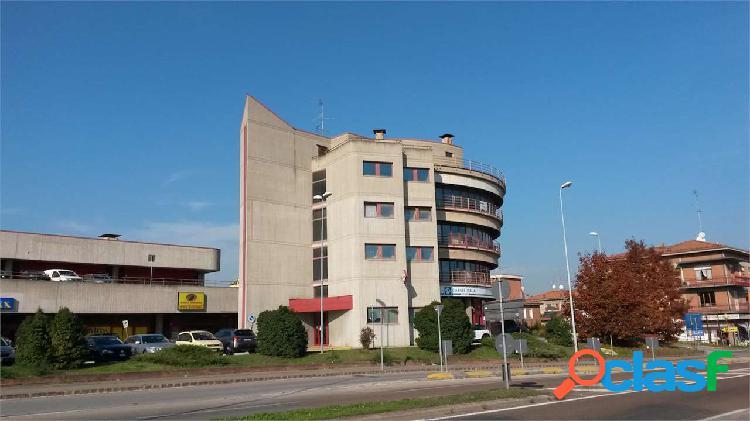 Torre Dir. I Quadrati- Uffici 460 mq. 184.000EURO