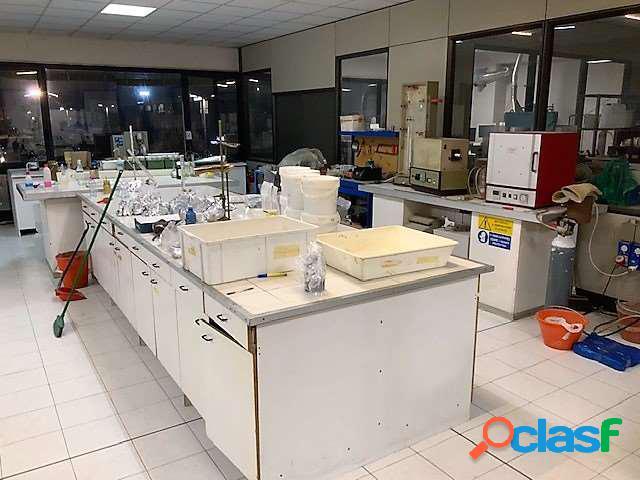 200 mq. ad uso ufficio o laboratorio/magazzino
